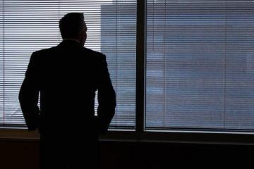 מהן העילות המשפטיות להגשת בקשה לפירוק חברה?